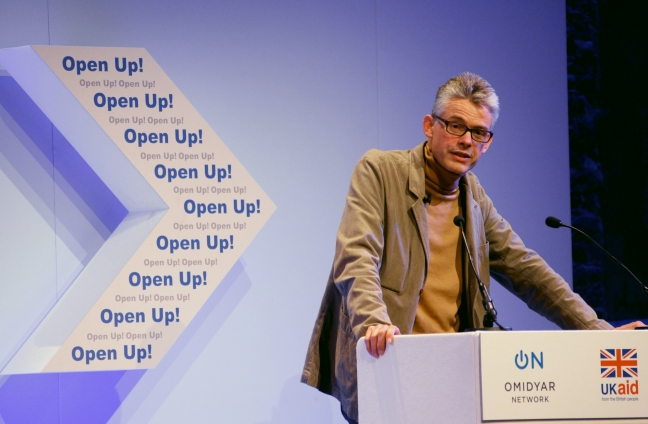 Chris_Taggart,_co-founder_&_CEO_of_Open_Corporates,_speaking_at_Open_Up!_(8182368387)